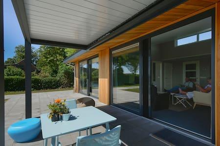 Vrijstaande (zorg)woning bij Grevelingenmeer - Dům