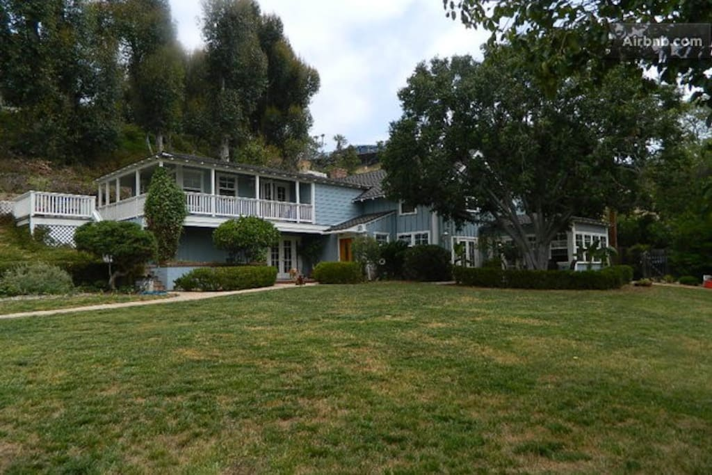 Large Park Like Yard with Private Secluded Patios