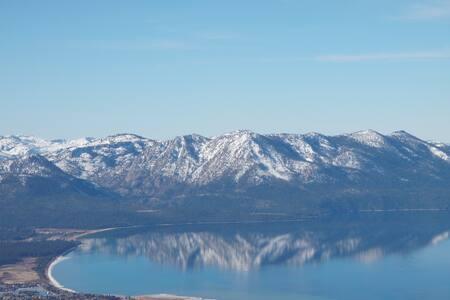Cozy Lake View Cabin