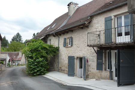 Maison de village rénovée - Meyronne