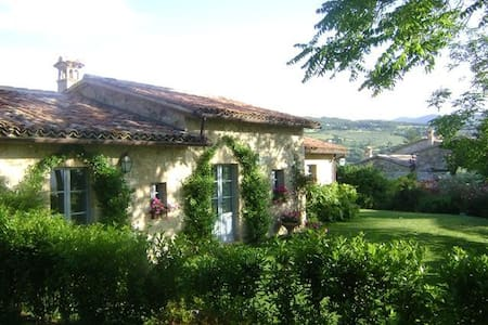 3 bedroom villa near Todi, Umbria - House
