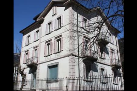Appartamento in casa d'epoca - Faido - Apartment