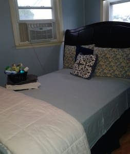 15 Mins to NYC! Comfy Big Room - Union City - Apartment