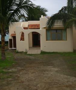 Ocean-front house in Ecuador - Jama