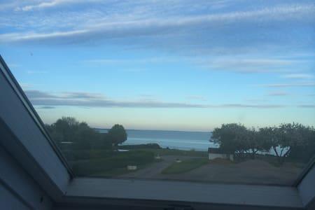 Sea view, beach and near LEGOLAND - Hejls - Apartament