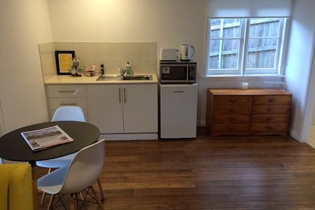 New Granny flat close to Dee Why