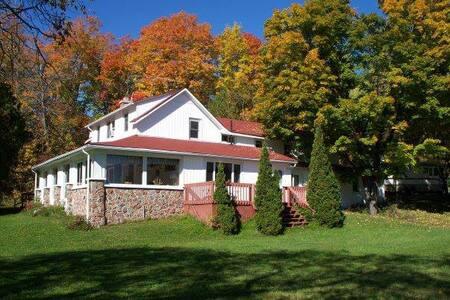 Meadow Springs Lodge - Dům