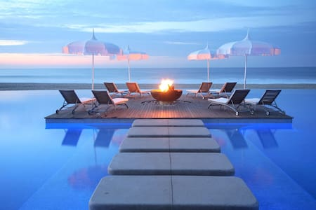 Cabos Luxury