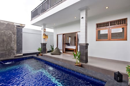 Private room with pool in Canggu
