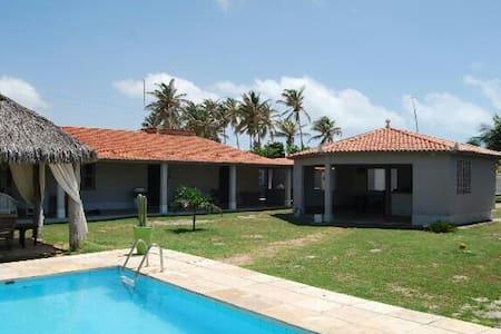 Grande propriété 200 m de la plage - Haus