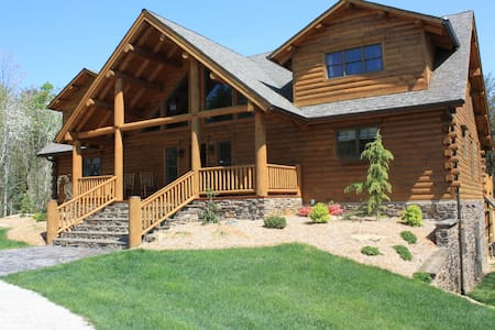 Lonesome Pine Lodge - Horseback Paradise - Chatka