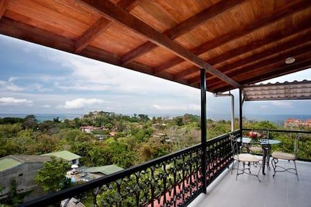 Villa And Yacht, Manuel Antonio - House