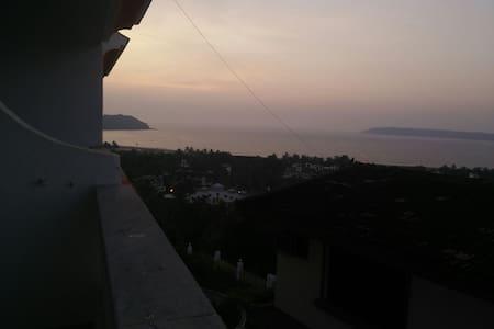 Sea-View 3BHK flat in Donapaula Goa - Dona-Paula, Panjim - Daire