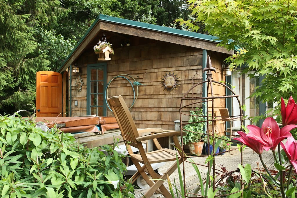 hobbit house on chuckanut bay cabins for rent in