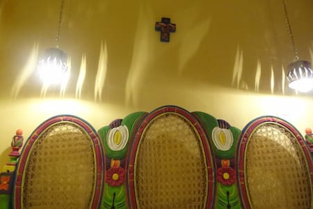 2p Mexican room Storic Center B&B - Salvador - Bed & Breakfast