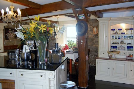 Country Luxury 4 Bed House - Strathaven