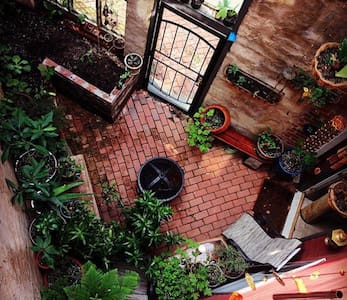 Extraordinary dwntwn condo w/ private garden patio - Apartamento
