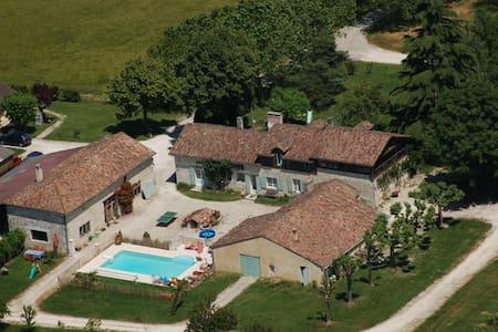 Organic Winery Guest House - Sigoulès