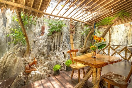 CED Pension Room #4 - Bahay Kubo Under Mountain - El Nido - Bed & Breakfast
