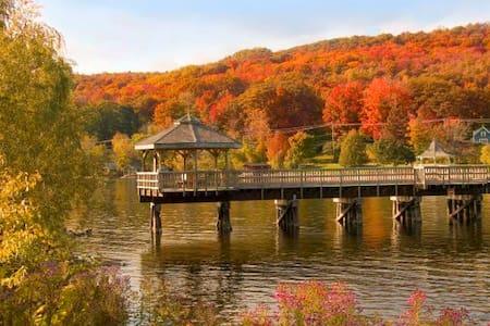 Magnifique chalet Lac Massawippi - Ház