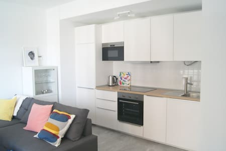 CUTE REFURBISHED ONE BED APARTMENT - Appartamento