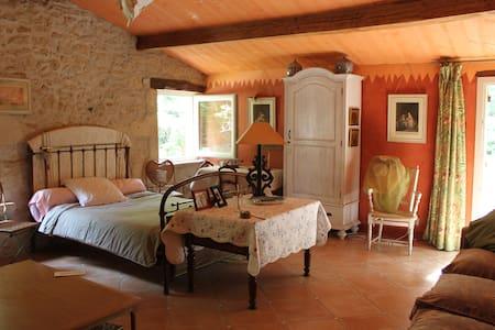 Chambre d'hotes-Léogeats/ Sauternes - Bed & Breakfast