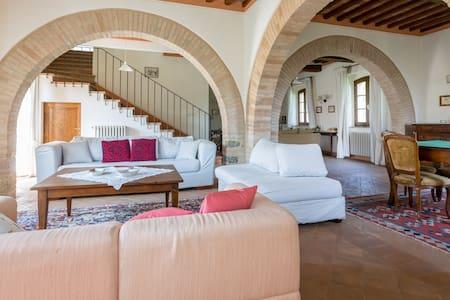 Logge Vecchie, una vacanza toscana - Palazzone - Villa