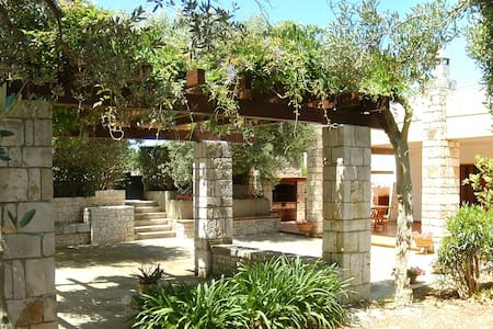 Pink Flowers house, relax in the quiet countryside - Polignano A Mare