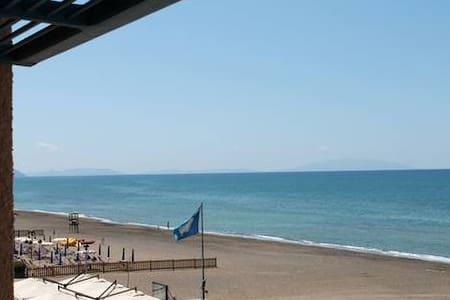 """Sirenetta"" direttamente sul mare - Lägenhet"