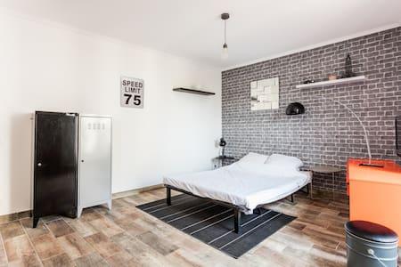 Petit studio pour les vacances. - Béziers - Apartment