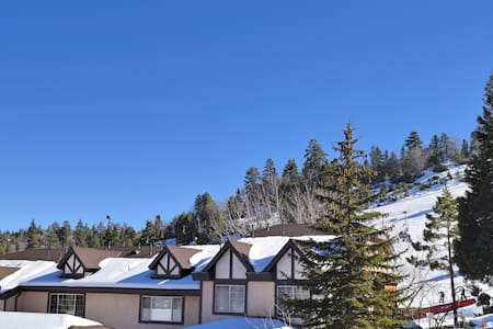 Alpine Villa: Bear Mountain, Spa