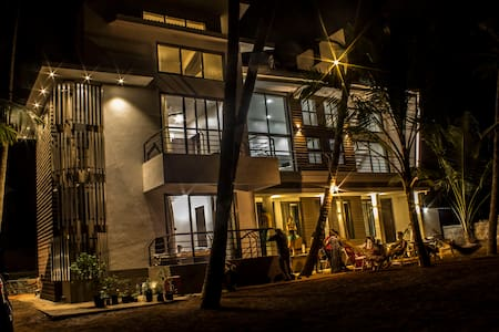 SeaLaVie 3 rooms by the beach - Bungaló