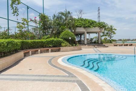 Floraville condominium unit B7E - Bangkok - Apartment
