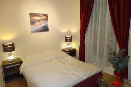 Cosy dbl room near Limehouse basin. - Lakás