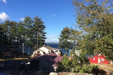 Completely Remodeled 2 Bedroom Apt on Sebago Lake - Lakás