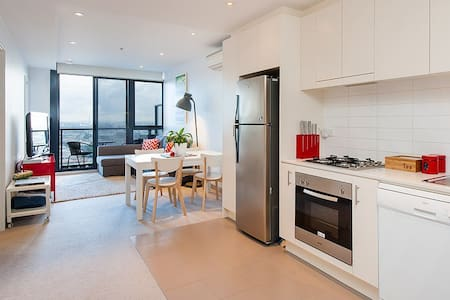 2 BR, Southbank, awesome location.