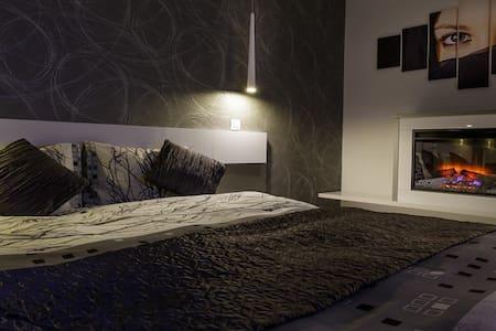 Onix Faleza Studio - Danube View - Appartement