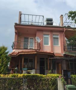 Çanakkale Dardanos'ta çatı katı - Loft