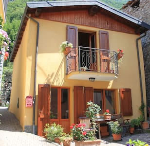 Cosy Rustic Italian Hideaway - House
