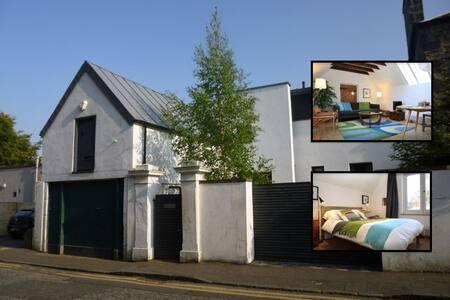 Stylishly Converted Coach House - Casa