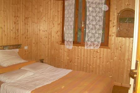stanza in casetta di legno - Camaiore - Bed & Breakfast