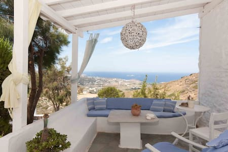 """Helios"" Small Villa with Sea View in Paros - Willa"
