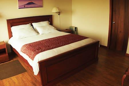 Habitación Romantica Aeropuerto Quito - Quito - Bed & Breakfast