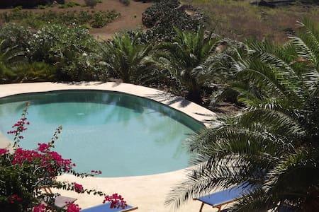 Dammuso Renata with swimming pool - Haus