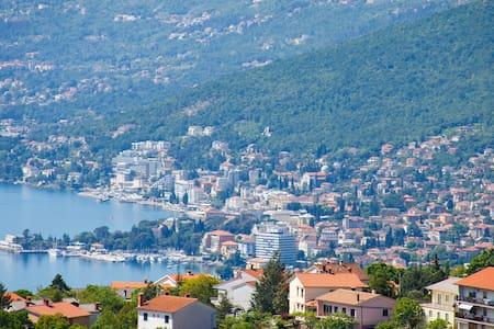 Villa Kastav sea view from old town - Wohnung