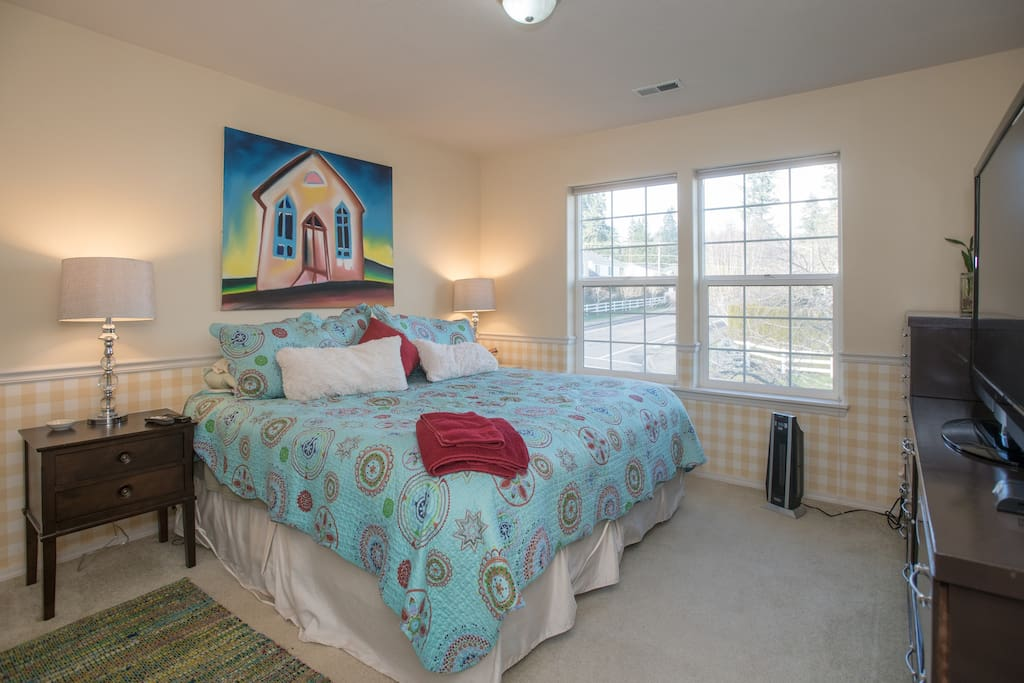 Suburbia with King size bed!