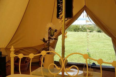 Luxury Glamping - Mad Hatter - Khemah