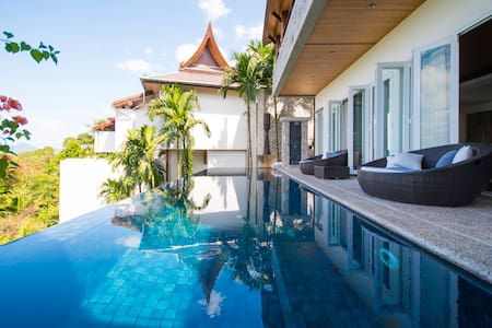 Deluxe 4-Bedroom Villa at Surin Beach - Villa