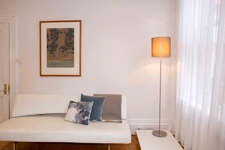 Mollisons Boutique Accommodation - Apartment