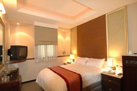 Leader Hotel TaoyuanSTANDARD DOUBLE - 台灣桃園市 - Bed & Breakfast